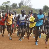 Kenialaiset juoksijat
