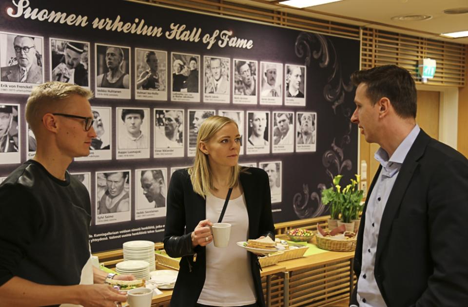 Hannu Hämäläinen, Hanna-Maari Latvala ja Juha-Pekka Kärkkäinen liittovaltuussa 2015
