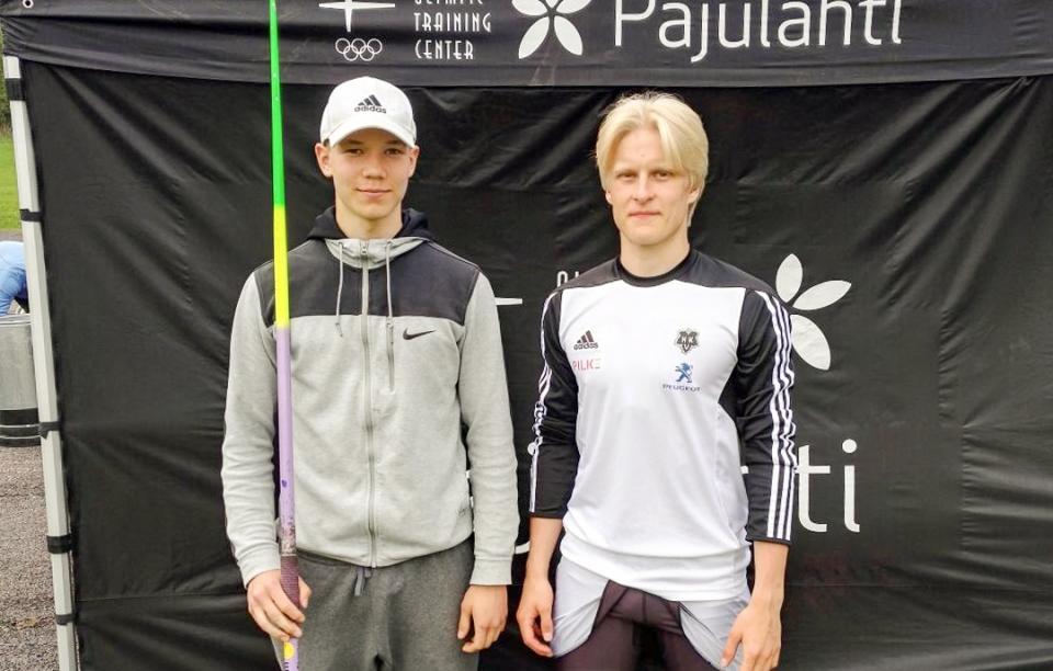 porvari_eemi_ja_laine_topias_keihasiolympiadi.jpg