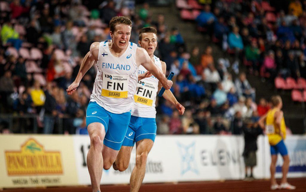 Suomi johtaa miesten ottelua