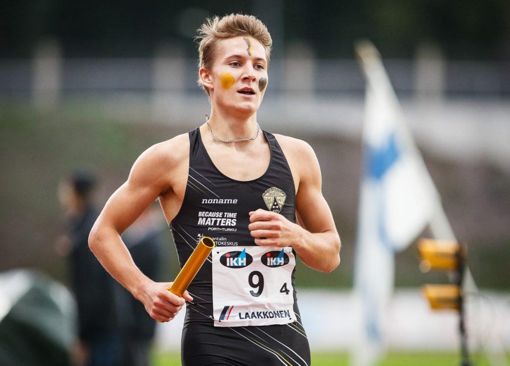 Naantalin Löyly ja Lahden Ahkera 4 x 800 metrin mestarit