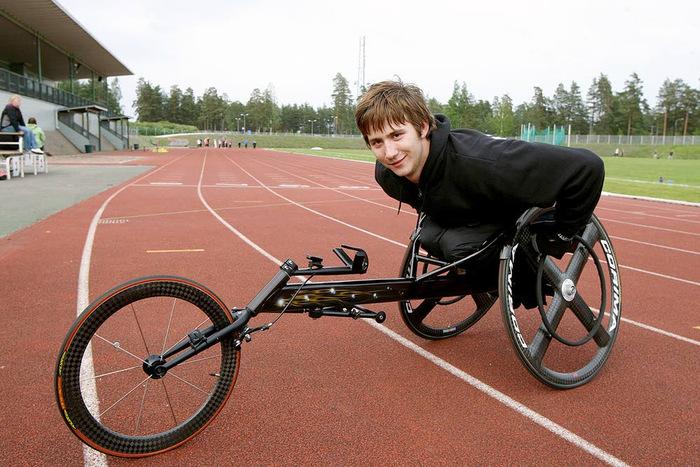 16-vuotiaiden ikäkausiennätys – Kelaajat valmistautuvat paralympiakisoihin