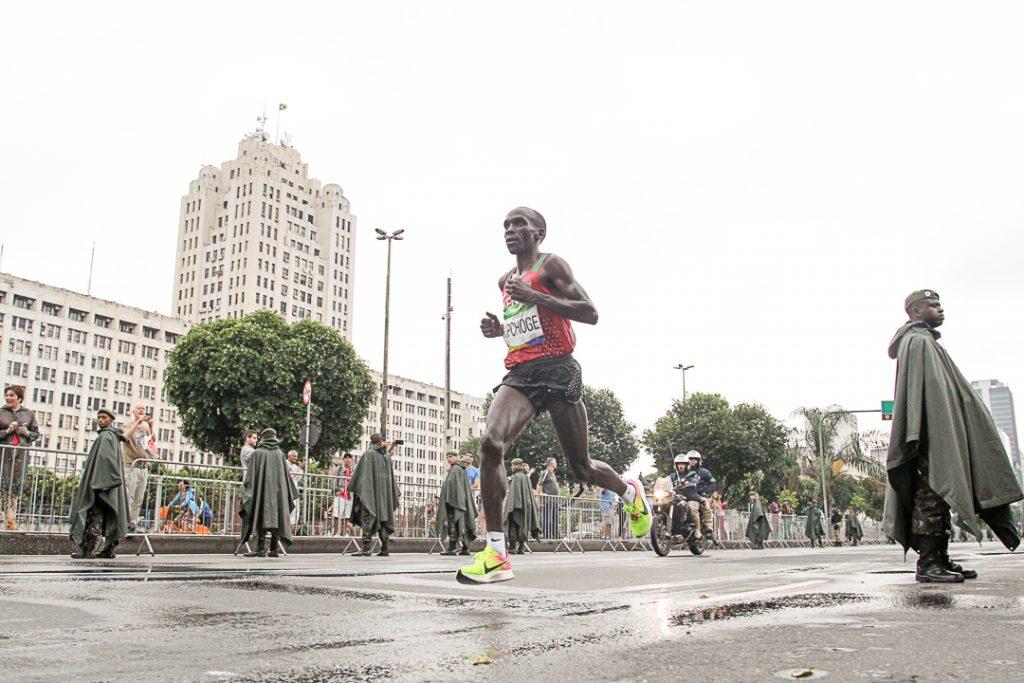 Superprojektilla kahden tunnin rajan kimppuun maratonilla