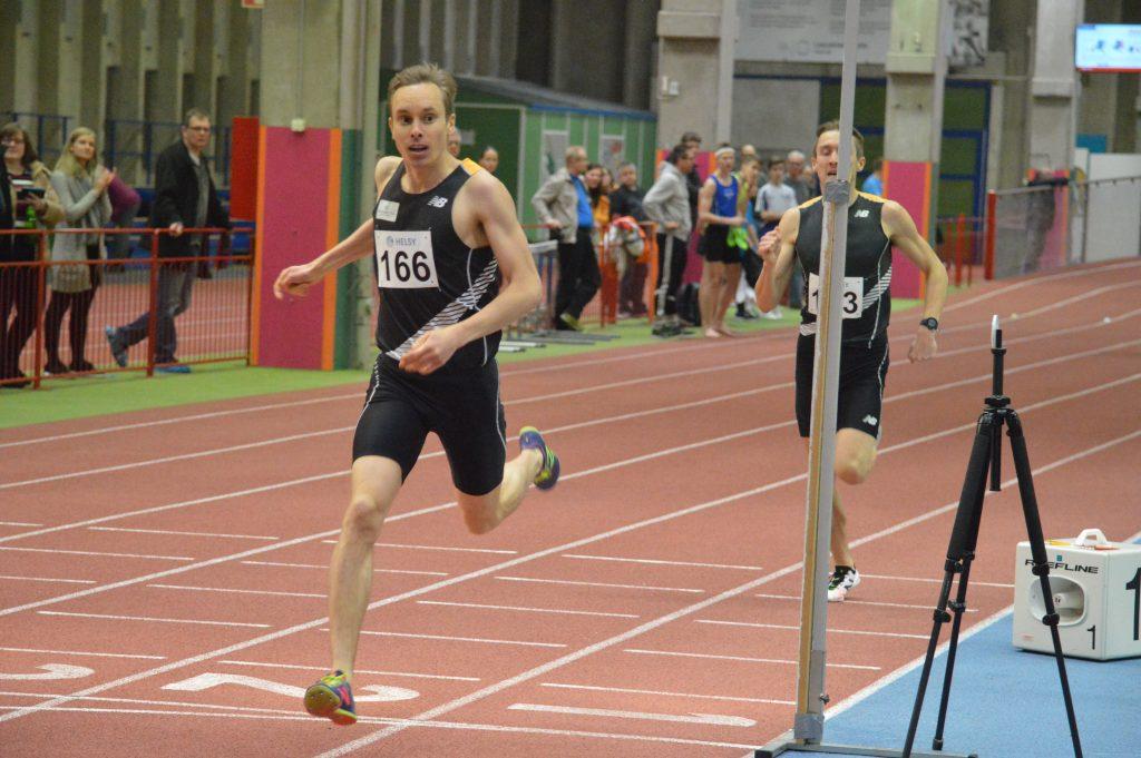 Jantunen ja Tofferi voittivat 800 metrin maaottelukatsastukset