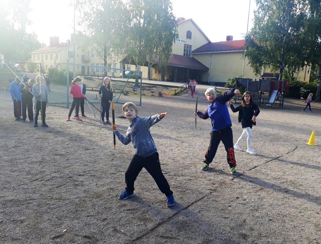 Elovena Voimapäivä liikutti Vantaan Rekolan koululaisia
