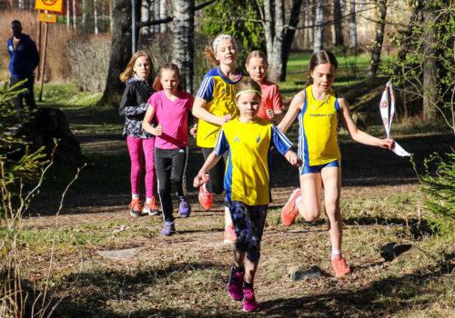 Seurakisat innostavat lapsia kokeilemaan ja aikuisia toimitsijapolulle