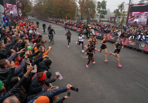Kipchoge rikkoi maratonin haamurajan, Wienin ennätyskoe sujui alle kahden tunnin