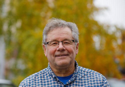 SUL:n koulutuspäällikkö Rajala jäi eläkkeelle: Valmentajakoulutus pitäisi viedä ympäristöön, jossa valmentajat toimivat