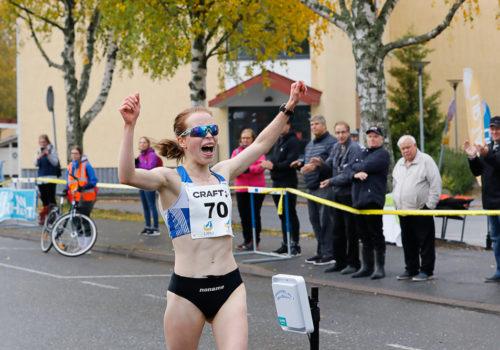 Rasitusvammasta toipunut Veikkola käveli 17-vuotiaiden SE:n