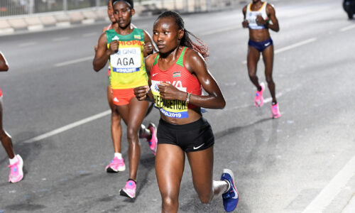Chepngetich pinkoi puolimaratonin ME:n, Potter alitti 5 kilometrin ME-ajan