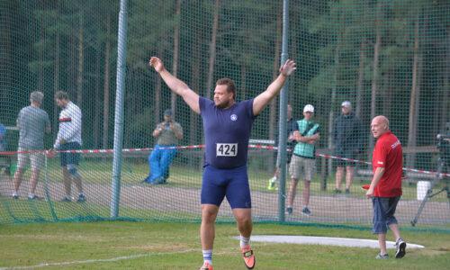 """Ståhl täräytti olympiakisojen kenraalissaan 70,27 ja 71,40 – """"hienoja heittoja"""""""