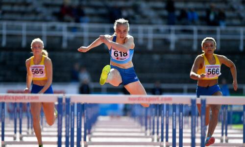 Nuorilla vahva alku Ruotsi-ottelussa: pika-aiturit kaksoisvoittoihin, Hämäläiseltä keihäässä huima ennätys